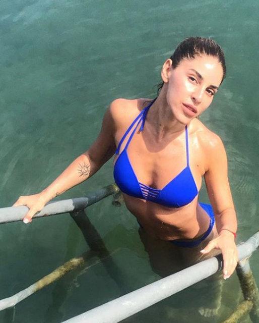 Irmak Ünal'dan havuz pozu - Magazin haberleri
