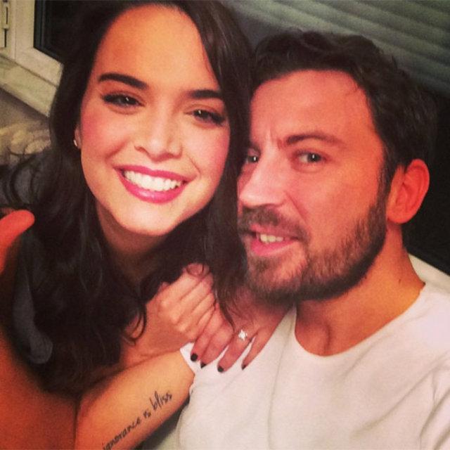 Yeliz Şar ile Tolga Güleç beraber oy kullanmaya gitti