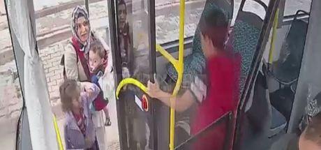 Otobüs şoföründen örnek davranış! Otobüsteki çocuğun ağladığını görünce...