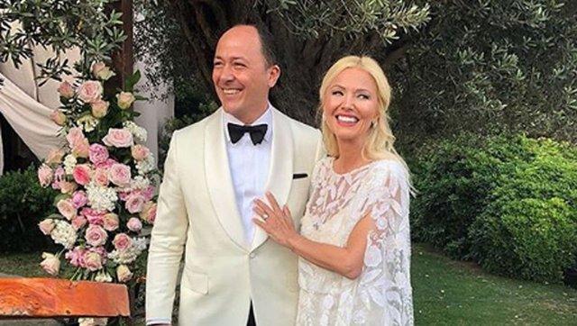 Ersin Kayalar ile evlenen Siren Ertan'dan müjde! - Magazin haberleri
