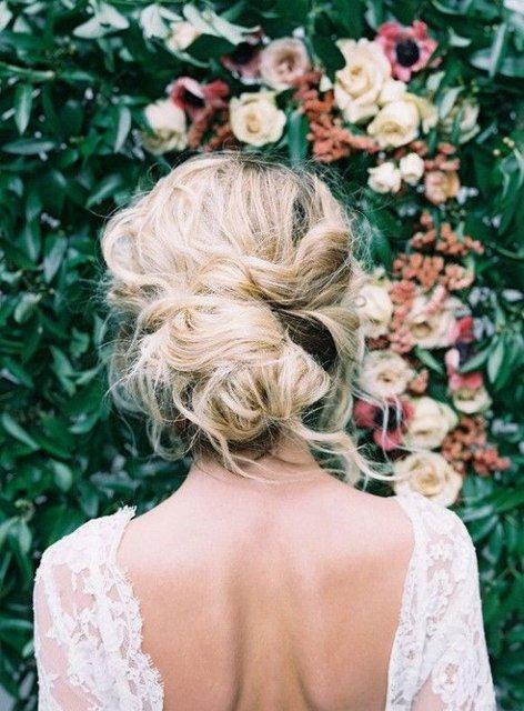 Yaz düğünleri için birbirinden güzel saç modelleri!