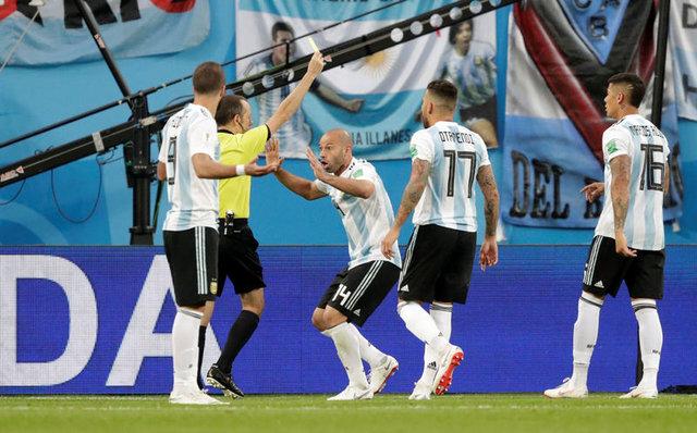 Cüneyt Çakır Nijerya - Arjantin maçına damga vurdu (Dünya Kupası)