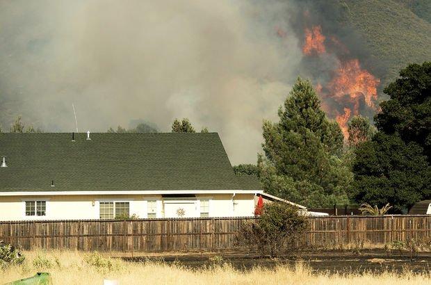 ABD'de yangın nedeniyle 3 bin kişi tahliye edildi