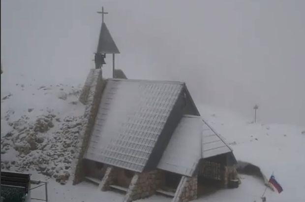 Balkanlara kar yağdı, sıcaklık 16 dereceye düştü