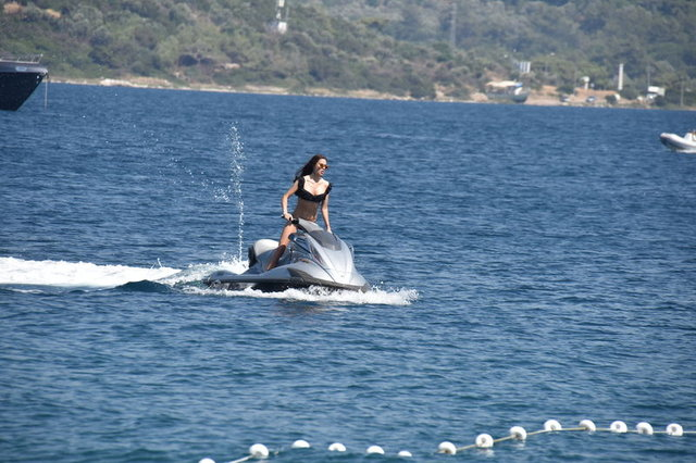 Lara Surol tatil sezonunu Bodrum'da açtı - Magazin haberleri