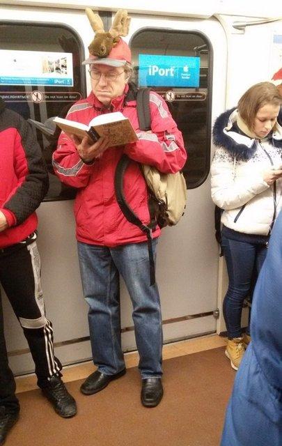 Metro ve otobüslerde kaydedilen en komik fotoğraflar