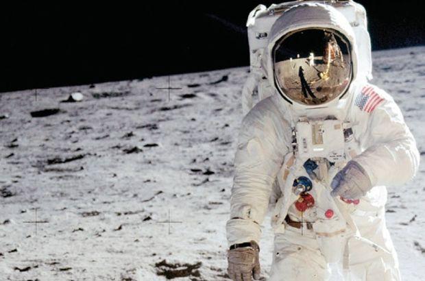 Ay'a ayak basan ikinci astronot çocuklarıyla davalık oldu