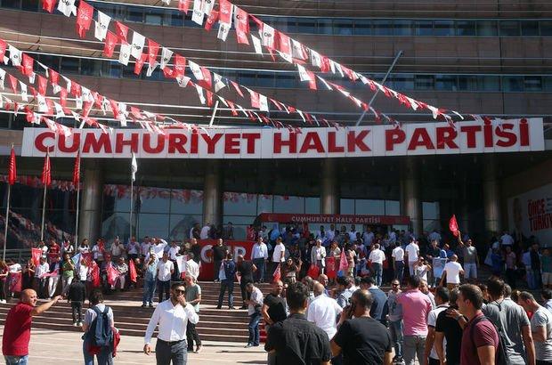 Son dakika... CHP'lilerin oturma eylemi bitti: İstifa talebimizin, karara bağlanmasını talep ediyoruz
