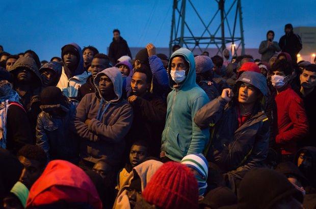 Fransa'da 85 bin sığınmacıya ret!