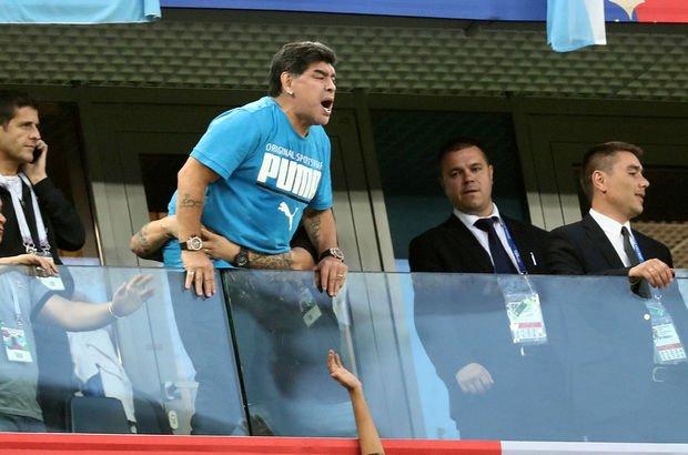 Maradonaönce coştu, sonra fenalaştı! Dünya Kupası haberleri