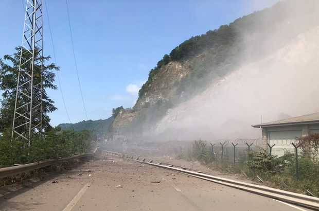 Taş ocağında patlatma heyelana neden oldu: 2'si asker, 3 ağır yaralı