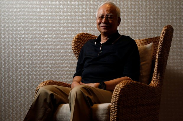 Eski başbakanın evinden 273 milyon dolar çıktı! Dünya Haberleri