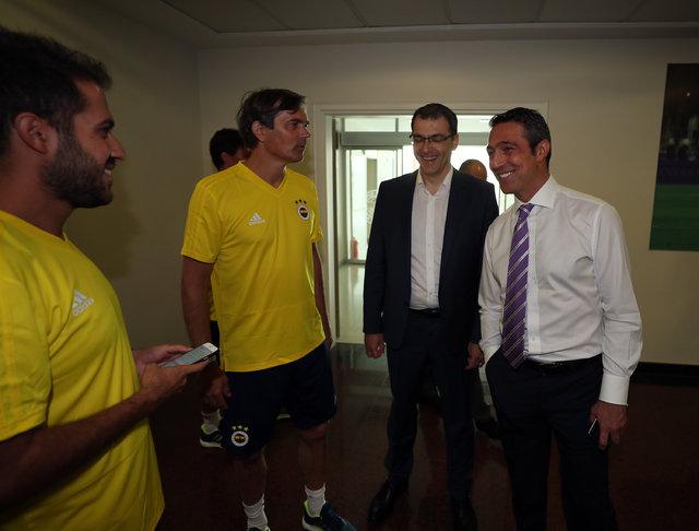 Fenerbahçe sezonu açtı (Cocu'lu ilk idman)