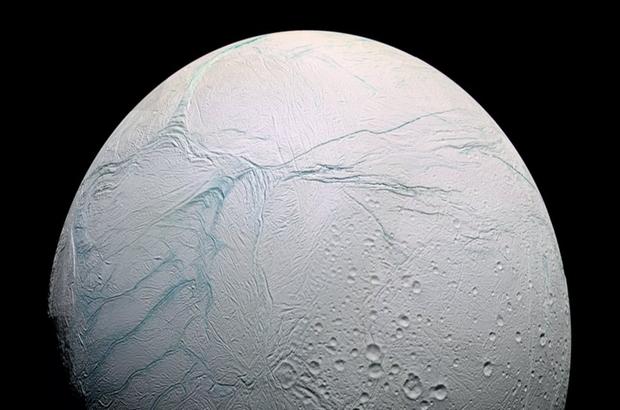 Satürn'ün uydusu Enseladus'ta yaşam ihtimali arttı