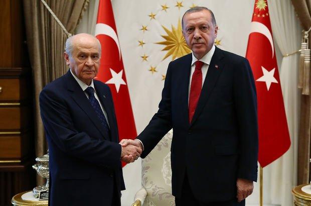 Son dakika... Erdoğan-Bahçeli zirvesinin ayrıntıları belli oldu! Meclis dağılımı ve yeni kabine ele alındı