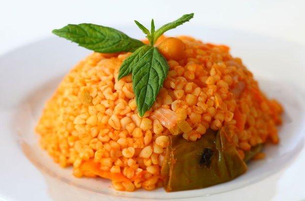 Bulgur pilavı tarifi: Salçalı, domatesli bulgur pilavı nasıl yapılır, kaç kaloridir?