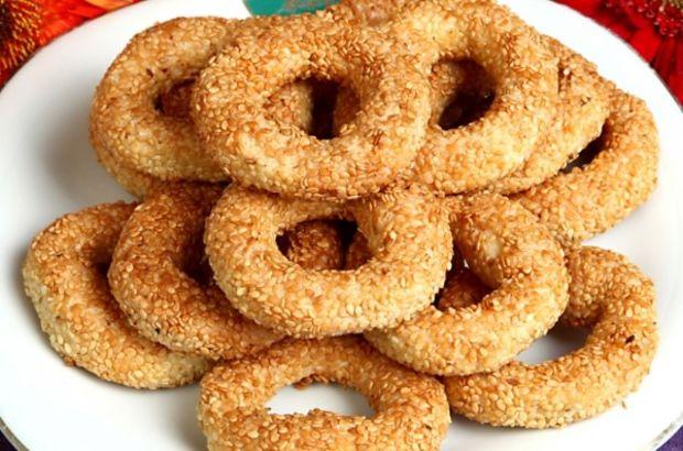 Susamlı kurabiye tarifi: Simit kurabiye nasıl yapılır? İşte tuzlu kurabiye yapımı...