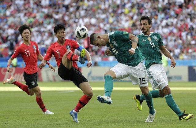 Emenike'den Maradona'ya hakaret (Dünya Kupası son gelişmeler)