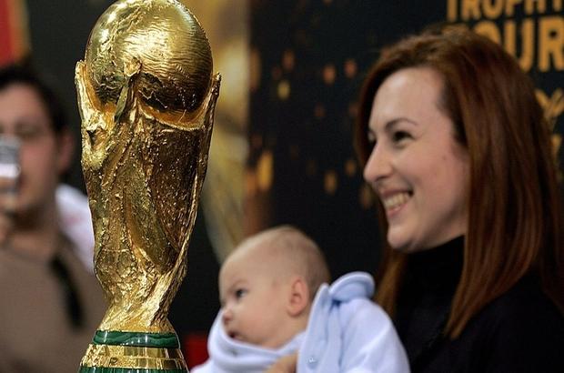 Dünya Kupası: Turnuva Rusya'nın azalan nüfus sorununu çözebilir