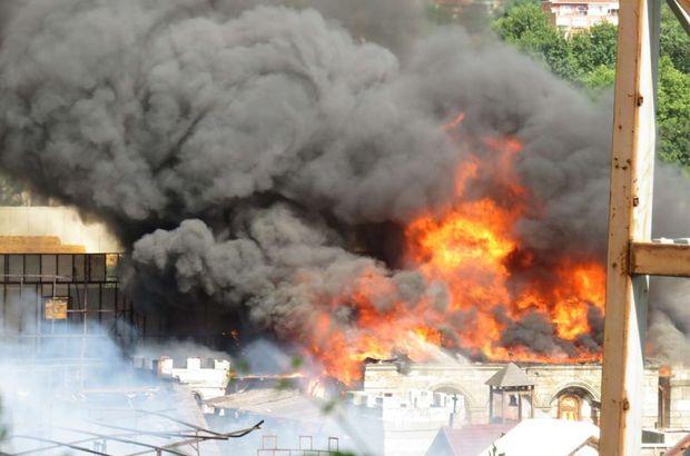 Son dakika: Beykoz Kundura fabrikasında yangın! Üsküdar ve Kadıköy'den itfaiye takviyesi