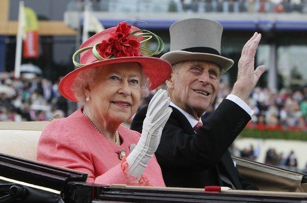 İngiltere, Kraliçe Elizabeth ile Prens Philip'in cinsel hayatını konuşuyor
