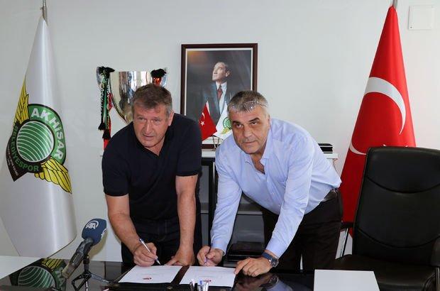 Akhisarspor, Safet Susic ile sözleşme imzaladı