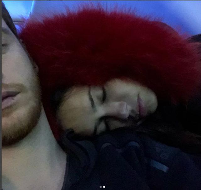 Metin Hara'nın sevgilisi Adriana Lima'dan 'iyi geceler' pozu - Magazin habeleri