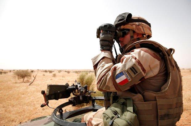 Son dakika... Fransız askerlere bombalı araç tuzağı! Ölü ve yaralılar var...
