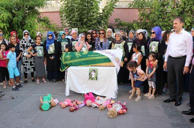 Eylül için eylem yapan kadınlar, tabut taşıyıp idam istedi