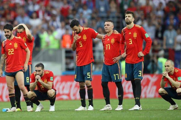 Dünya Kupası'ndan elenmenin hayal kırıklığı, İspanya'yı ikiye böldü!