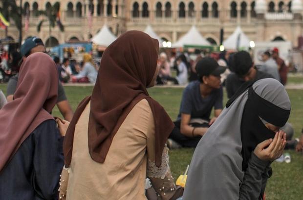 Malezya'da 11 yaşındaki çocuğun evlendirilmesi öfke yarattı