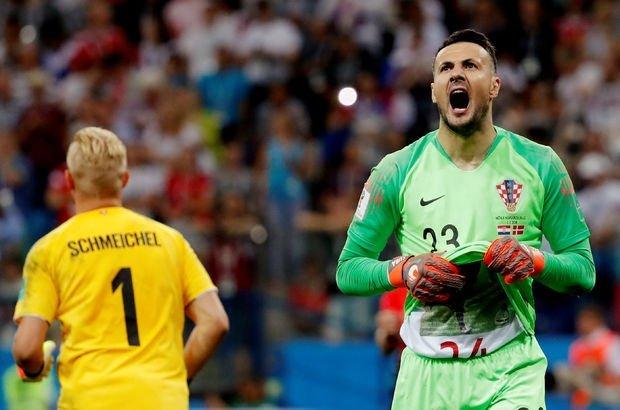 Hırvatistan - Danimarka maçına penaltılarda kaleciler Subasic ve Schmeichel damga vurdu!