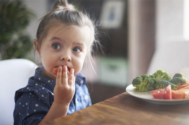 Kavurucu sıcaklara karşı 8 beslenme önerisi! Sıcak havalarda nasıl beslenmeliyiz?