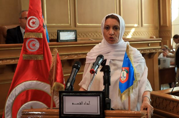 Tunus'un ilk kadın başkent belediye başkanı Nahda'dan