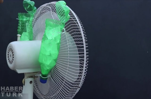 Sıcak Havadan Bunalanlar Ev Yapımı Klima Ile Serinlemeye çalıştı