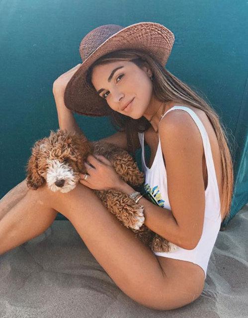 Ünlü bloggerın plaj stili büyüledi! İşte Negin Mirsalehi'nin giydiği bikini ve mayo modelleri!