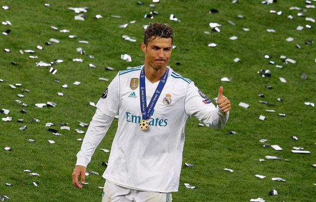 Cristiano Ronaldo için tarihi kapak!