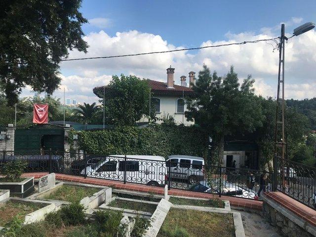 Son Dakika: Adnan Oktar'ın abluka altındaki evi böyle görüntülendi! Hepsi tek tek alındı...