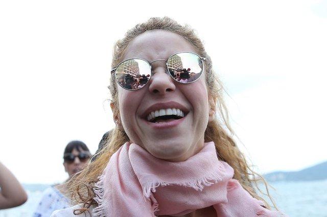 Shakira boğaza açıldı - Magazin haberleri