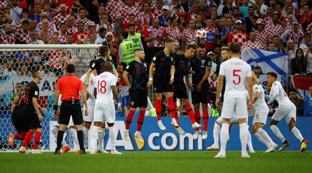 Kieran Trippier'in Hırvatistan İngiltere maçında attığı gol Beckham'ı hatırlattı, sosyal medyayı salladı!