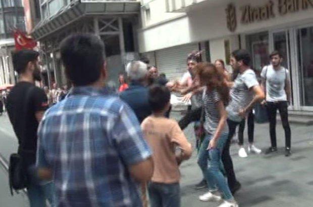 İstiklal Caddesi'nde turistlerin tekme tokat kavgası!