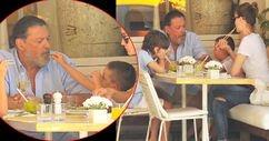Oğlunun elinden en güzel yemek
