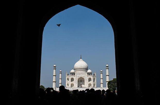 Tac Mahal'de cuma namazına yasak