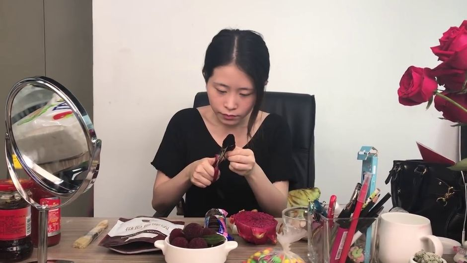 Çinli YouTube fenomeni sonunda bunu da yaptı!