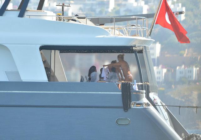 Pınar Altuğ Bodrum'da tatil yapıyor