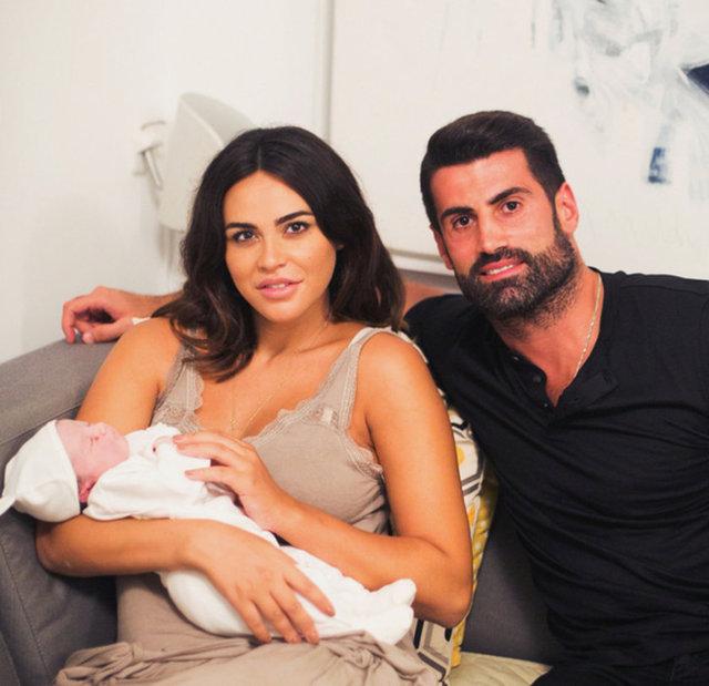 Volkan Demirel eşi Zeynep Sever Demirel ile Bodrum'da - Magazin haberleri