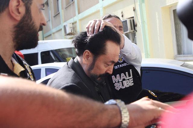 Son Dakika: Adnan Oktar'ın villasından çıktı! 24 Ekim 2012...