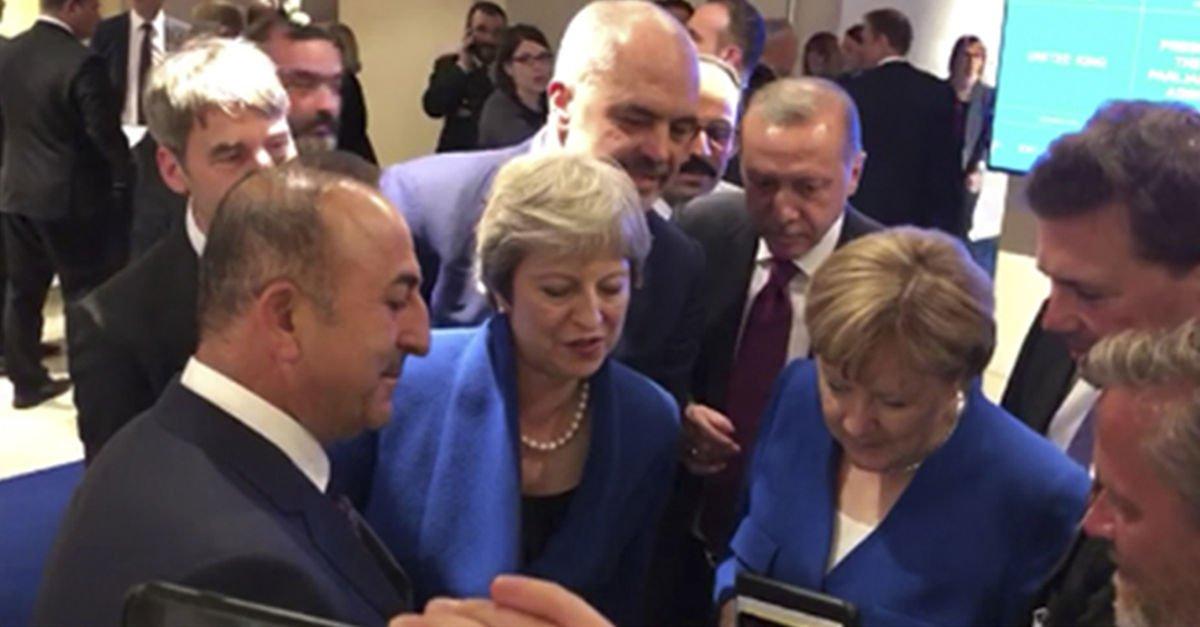 NATO zirvesinde liderler Hırvatistan-İngiltere maçını izledi