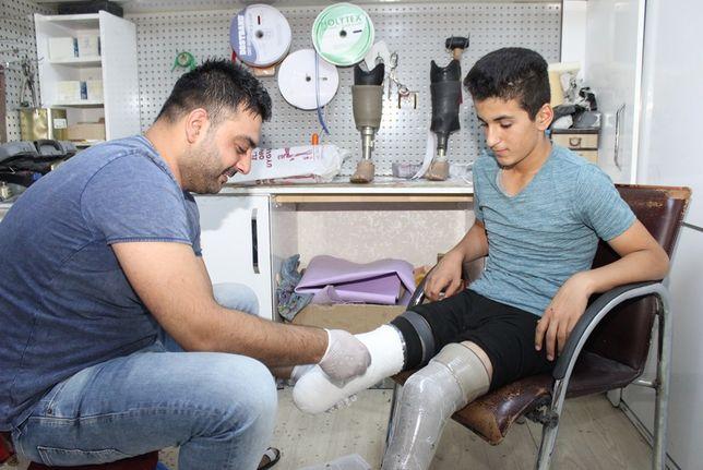 İsmail protez bacakla hayata bağlandı