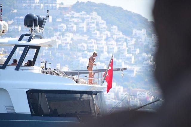 Pınar Altuğ hamile mi? Oyuncu Pınar Altuğ Bodrum'da tatil yapıyor - Magazin haberleri